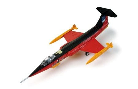herpa_wings_553872_luftwaffe_f_104g_starfighter_1_200_scale_diecast_model